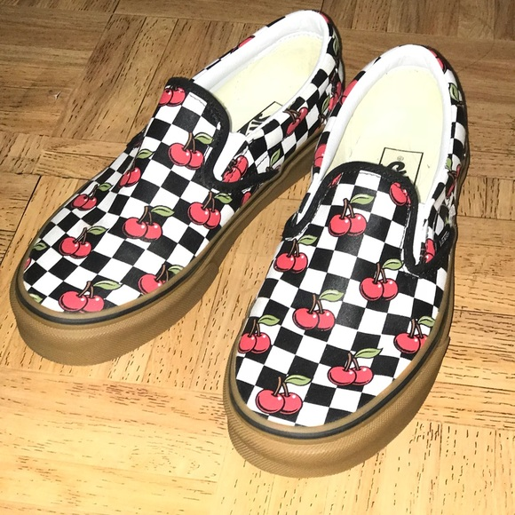 321ab5c6e4 Vans Shoes - selling Vans